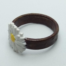 ring embossed overflowing daisy rings flowers embossed daisy daisies