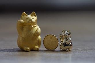 maneki neko cute chubby japanese lucky cat art cat lucky maneki neko sculpture cute chubby kitty gift japan japanese talisman art sculptures