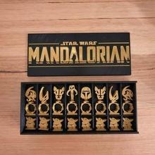 mandaloriano ajedrez conjunto monitor caja bebé yoda cumpleaños juego mesa ajedrez juego regalo amarillo mandaloriano apoyo presente guerra Galaxias estrella guerras niño mandaloriano yoda