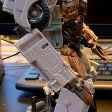 transformadores estudio serie dotm megatron muslo rellenos juguete
