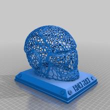 Voronoi ferro homem capacete plinto arte esculturas