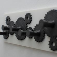 manos llave decoración gancho útil pared engranaje color colgar