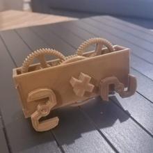 wind-up running buggy tinkermechanical tinkercad tinkermechanical