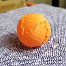 sorpresa distruggere palla palla uovo divertimento gioco puzzle semplice giocattolo globo ragazzo astratto sorpresa agitarsi distruggere bambino piccolo