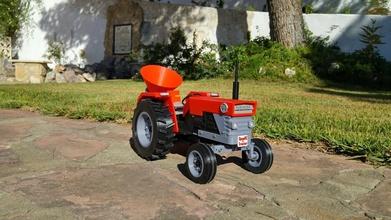 openrc tractor fertilizer pinshape algix3d-print-contest fertilizer tractor openrc-tractor openrc