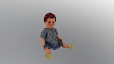 Kunststoff-Puppe - Spielzeug- 3d-Modell thefinnishtoymuseum-lelumuseohevosenkenk thefinnishtoymuseum d4e6131 Kunststoff-Puppe-Spielzeug-Puppe aus hartem Kunststoff, während der 1950 s Finnland hergestellt Firma namens siroplast doll bestimmten exchange-Kind gesammelt hatte, bestimmte Menge Müll Papier Objekt-Sammlungen finnischen toy museum &ndash paperinker ysnukke leikkikalu kovasta muovista 1950-luvulla valmistettu nukke nuken sai palkinnoksi paperinker ys oy lt kun lapsi oli ker nnyt tietyn m r n j tepaperia nuken valmistanut siroplast oy suomen lelumuseo hevosenkeng n esinekokoelmat - Kunststoff-Puppe - Spielzeug- 3d-Modell thefinnishtoymuseum-lelumuseohevosenkenk thefinnishtoymuseum d4e6131