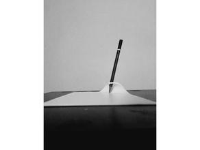 penna matita titolare supporto carta design 3dprintable 3dprinting arte commodoro scritte carta matita titolare supporto penna titolare supporto superficie tavolo gabinetto carta