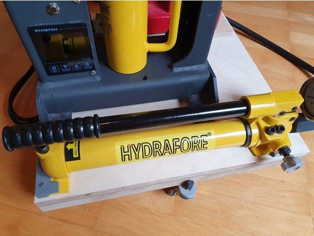 hydraulic pump holder 420