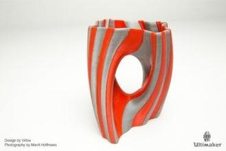 julia vase 002 - yin yang art dual extrusion julia vase fractal